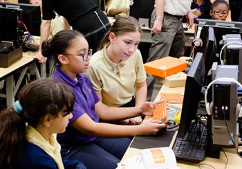 GIRLS PREP LES BUILD COMPUTERS DURING CSED WEEK TECH JAM